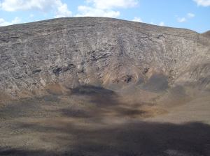 Interior del volcán de Caldera Blanca
